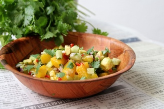 Kurkku-mangosalaatti