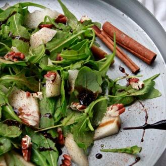 Jouluinen rucola-salaatti