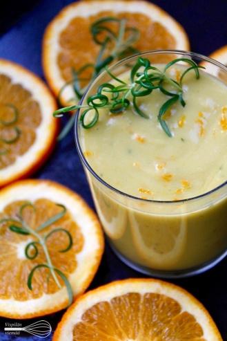 Appelsiini-rosmariinismoothie