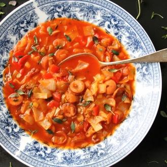 Chorizonakki-kaalikeitto