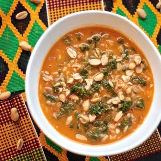 Länsi-afrikkalainen kasvis-pähkinäkeitto