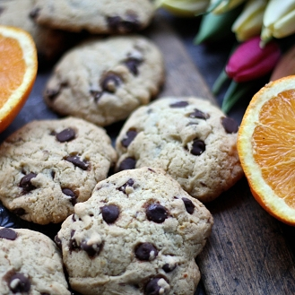 Gluteeniton suklaahippukeksi