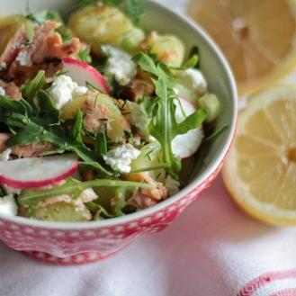 Sitruunainen savulohi-perunasalaatti