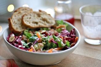 Glögillä maustettu salaatti
