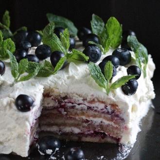 Gluteeniton mustikka-sitruuna-kakku