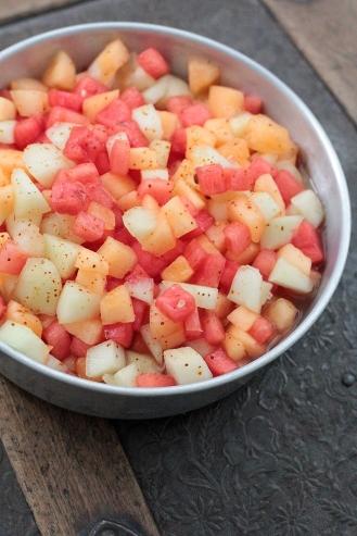 Chilin maustama melonisalaatti