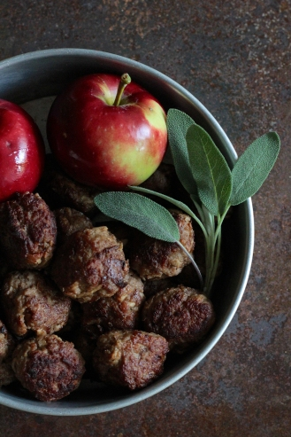 Salvia-omena-lihapullat