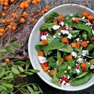 Bataatti-feta-granaattiomena-salaatti