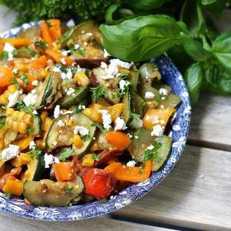 Lämmin grillin kautta -salaatti